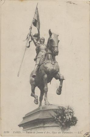 Paris, Statue de Jeanne d'Arc, Place des Pyramides