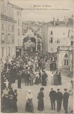 Place Emile-Henry et entrée rue du Faubourg d'Ambrail