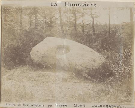 La Houssière, Pierre de la Guillotine ou Pierre Saint-Jacques