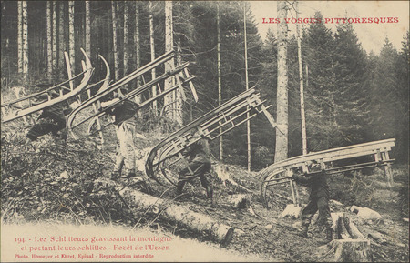 Les Schlitteurs gravissant la montagne et portant leurs schlittes, Forêt d…