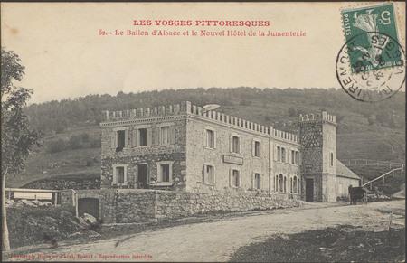 Le Ballon d'Alsace et le nouvel hôtel de la Jumenterie