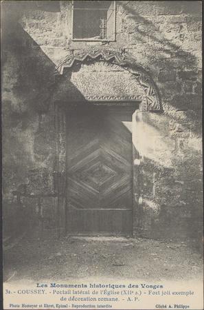 Coussey, Portail latéral de l'Église […]