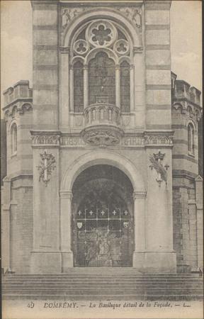 Domrémy, La Basilique détail de la façade