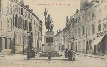 NeufChâteau, Place Jeanne d'Arc