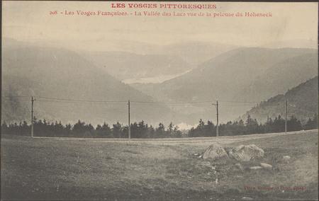 Les Vosges françaises, La Vallée des Lacs vue de la pelouse du Hoheneck [s…