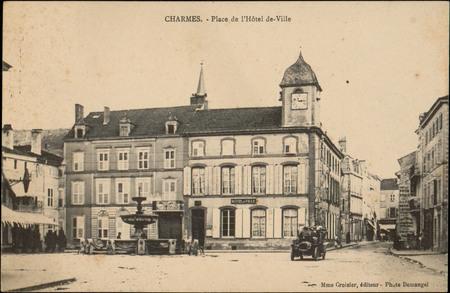 Charmes, Place de l'Hôtel de Ville