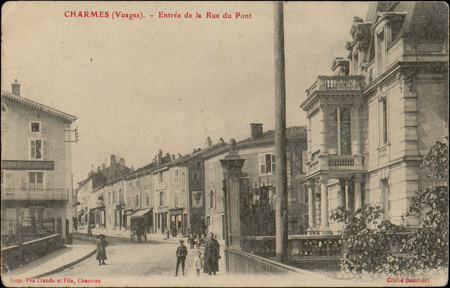 Charmes (Vosges), Entrée de la Rue du Pont