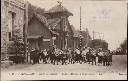 Gérardmer, Col de la Schlucht, Ecoliers Alsaciens à la Frontière