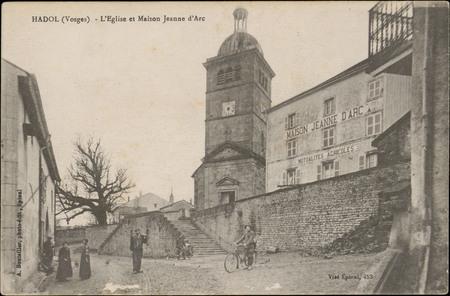 Hadol (Vosges), L'Église et Maison Jeanne d'Arc