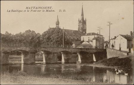 Mattaincourt, la Basilique et le Pont sur le Madon
