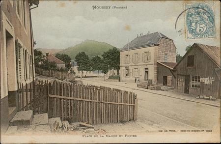Moussey (Vosges), Place de la Mairie et postes