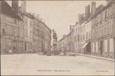 Neufchâteau, Place Jeanne-d'Arc