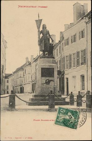 Neufchâteau (Vosges), Place Jeanne-d'Arc