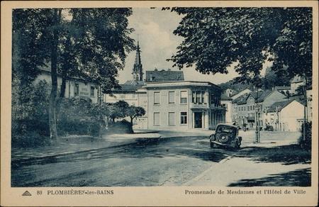 Plombières-les-Bains, Promenade de Mesdames et l'Hôtel de Ville