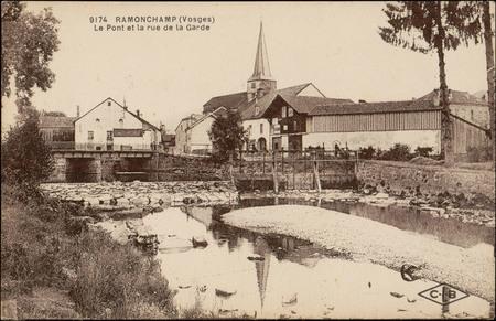 Ramonchamp (Vosges), le Pont et la rue de la Garde