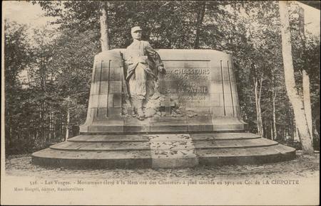 Monument élevé à la Mémoire des Chasseurs à pied en 1914 au Col de la Chip…