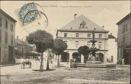 Raon-L'Etape, Fontaine Monumentale, la Mairie