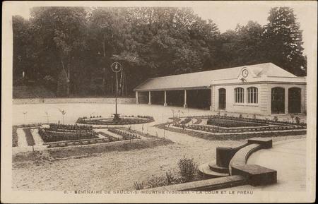 Séminaire de Saulcy-s/-Meurthe (Vosges), La Cour et le Préau