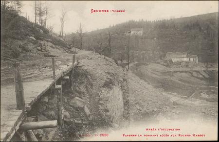 Senones (Vosges), Après l'occupation, Passerelle donnant accès aux Roches …