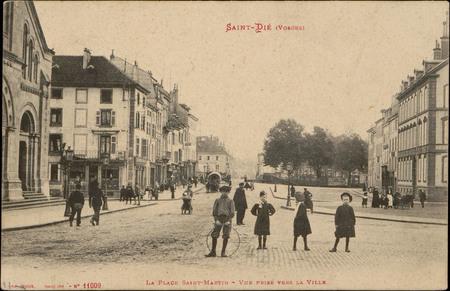 Saint-Dié (Vosges), La Place Saint-Martin, Vue prise vers la ville