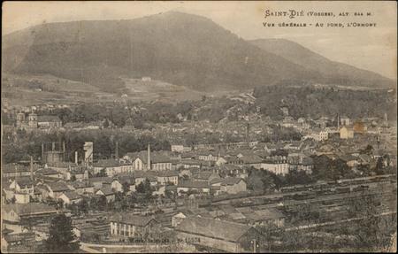 Saint-Dié (Vosges), alt 344 m., Vue générale, Au fond, l'Ormont