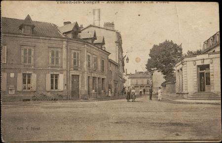 Thaon-les-Vosges, Avenue Thiers et le poste