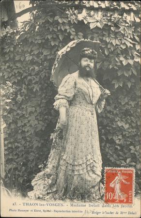 Thaon-les-Vosges, Madame Delait dans son jardin