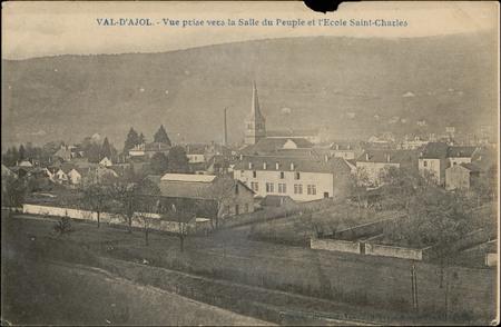 Val-d'Ajol, Vue prise vers la Salle du Peuple et l'École Saint-Charles