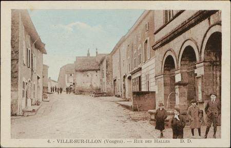 Ville-sur-Illon (Vosges), Rue des Halles