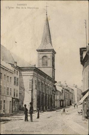 Darney, L'Église, Rue de la République