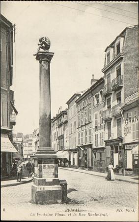 Epinal, La Fontaine Pinau et la Rue Rualménil