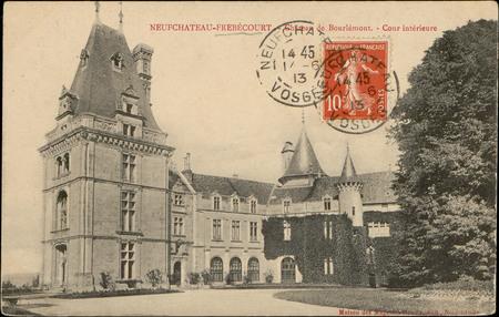 Neufchâteau-Frébécourt, Château de Bourlémont, Cour intérieure