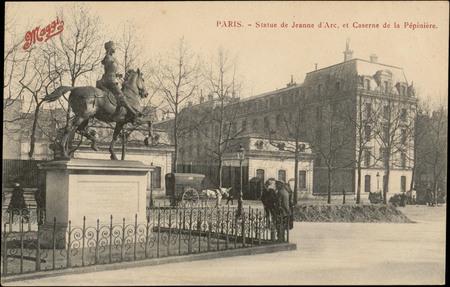 Paris, Statue de Jeanne d'Arc, et Caserne de la Pépinière