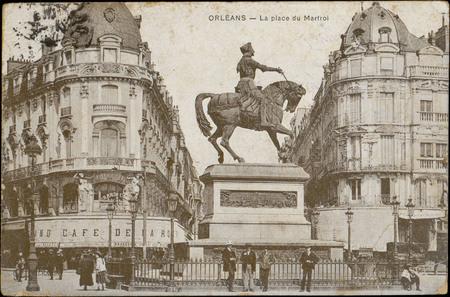 Orléans, La Place du Martroi