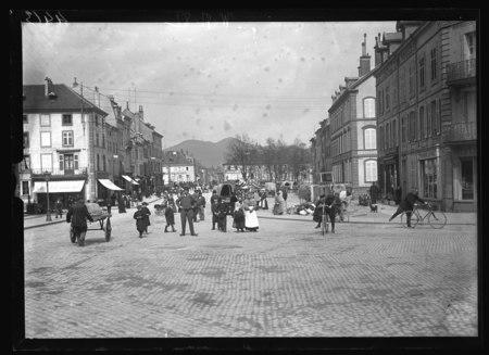 Saint-Dié – Place Saint Martin - Vue prise vers la ville