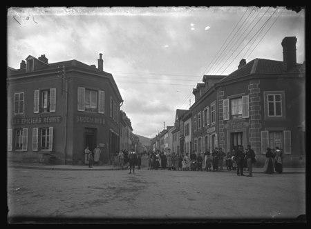 Saint-Dié - Rue de la Prairie (vue prise du carrefour de la rue du 10e)