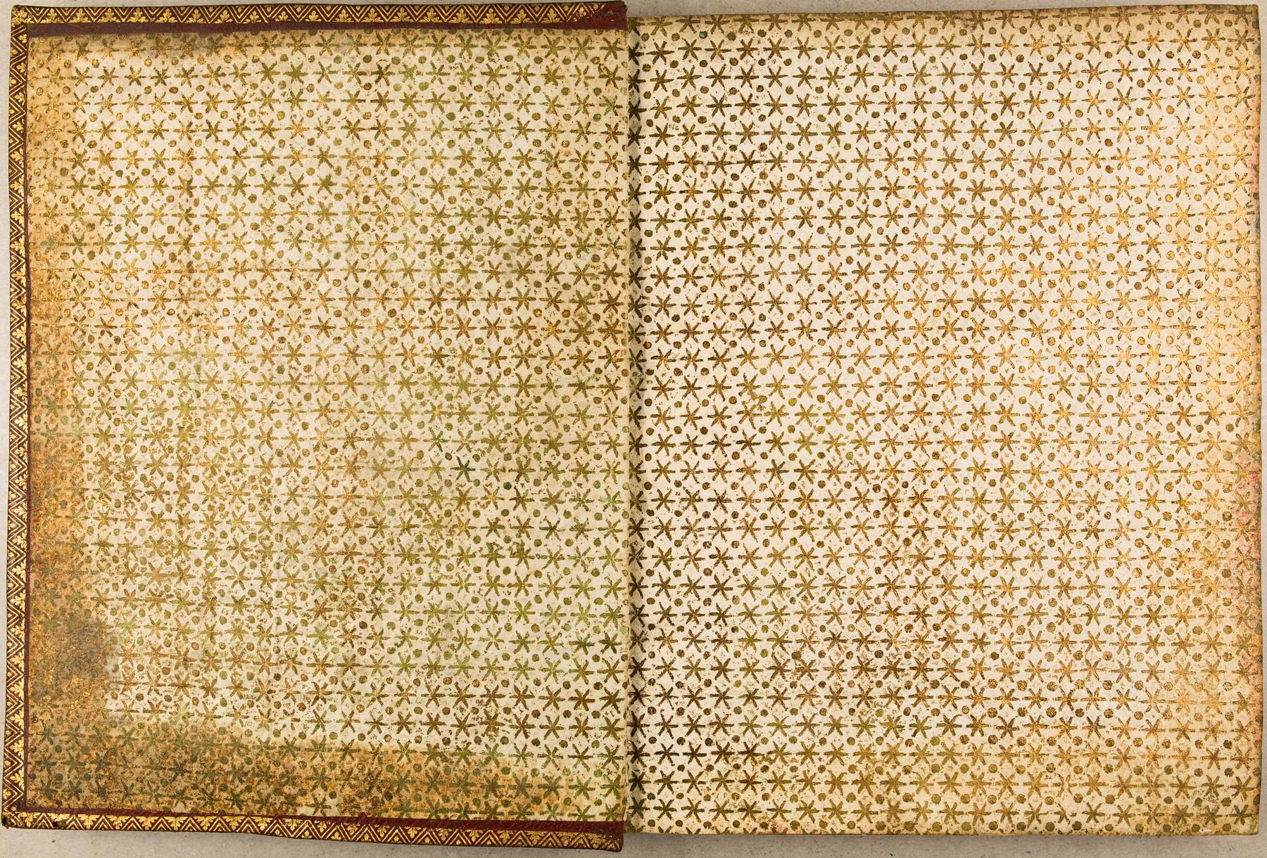 Contenu du Papier dominoté doré