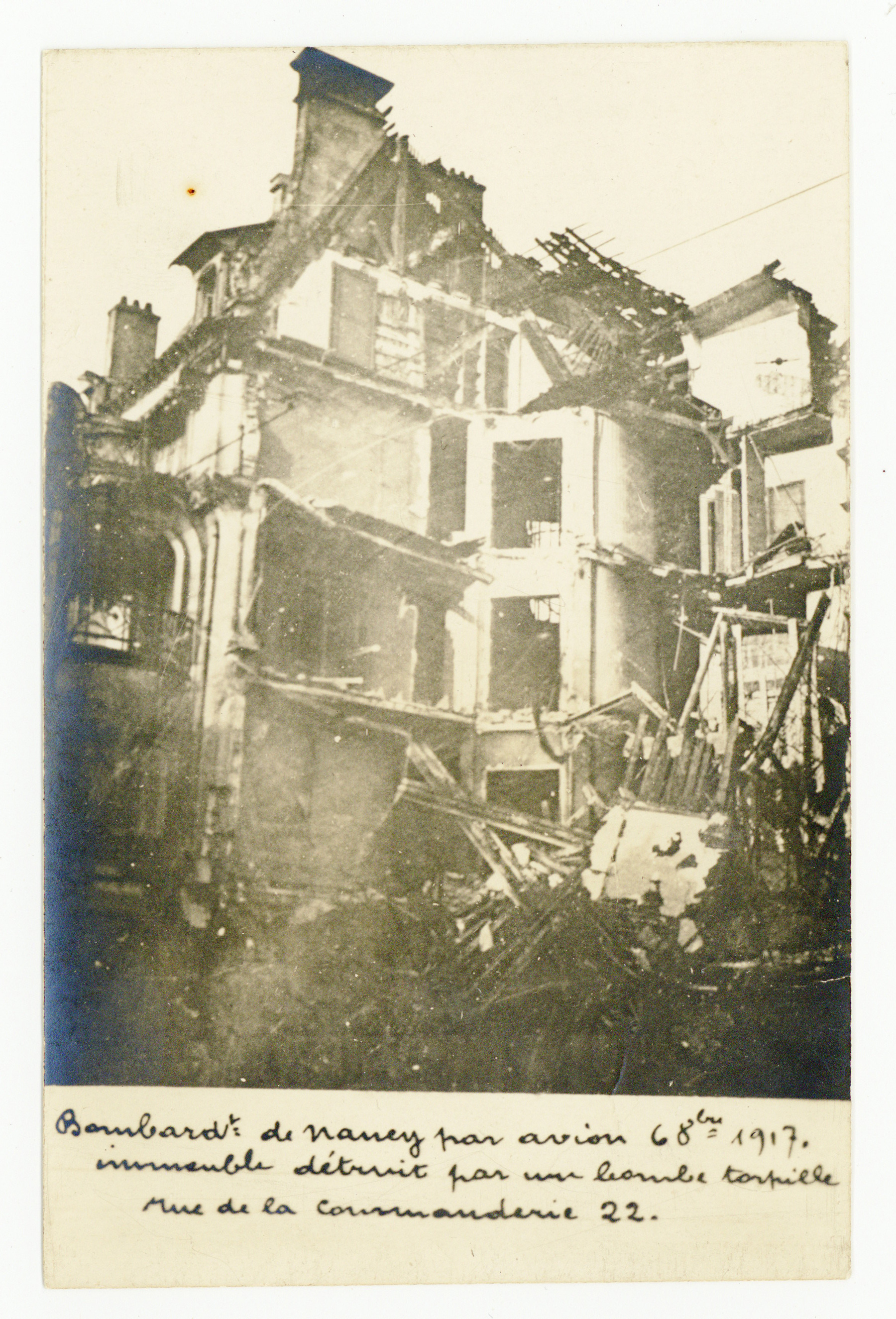 Contenu du Bombardement d'octobre 1917, rue de la Commanderie.