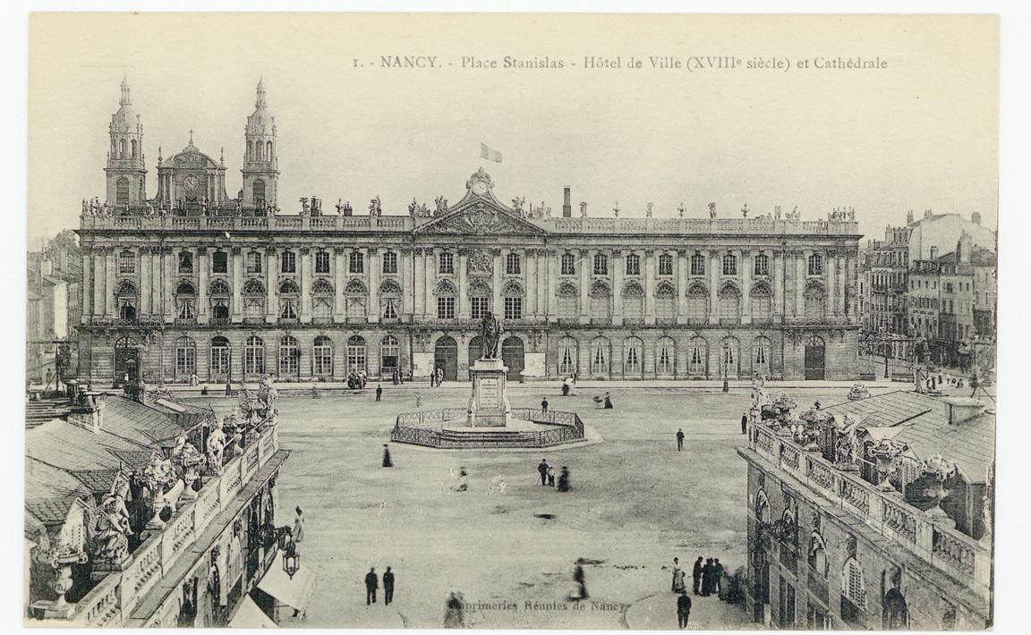 Contenu du Nancy - Place Stanislas -Hôtel de Ville (XVIIIe siècle) et Cathédrale