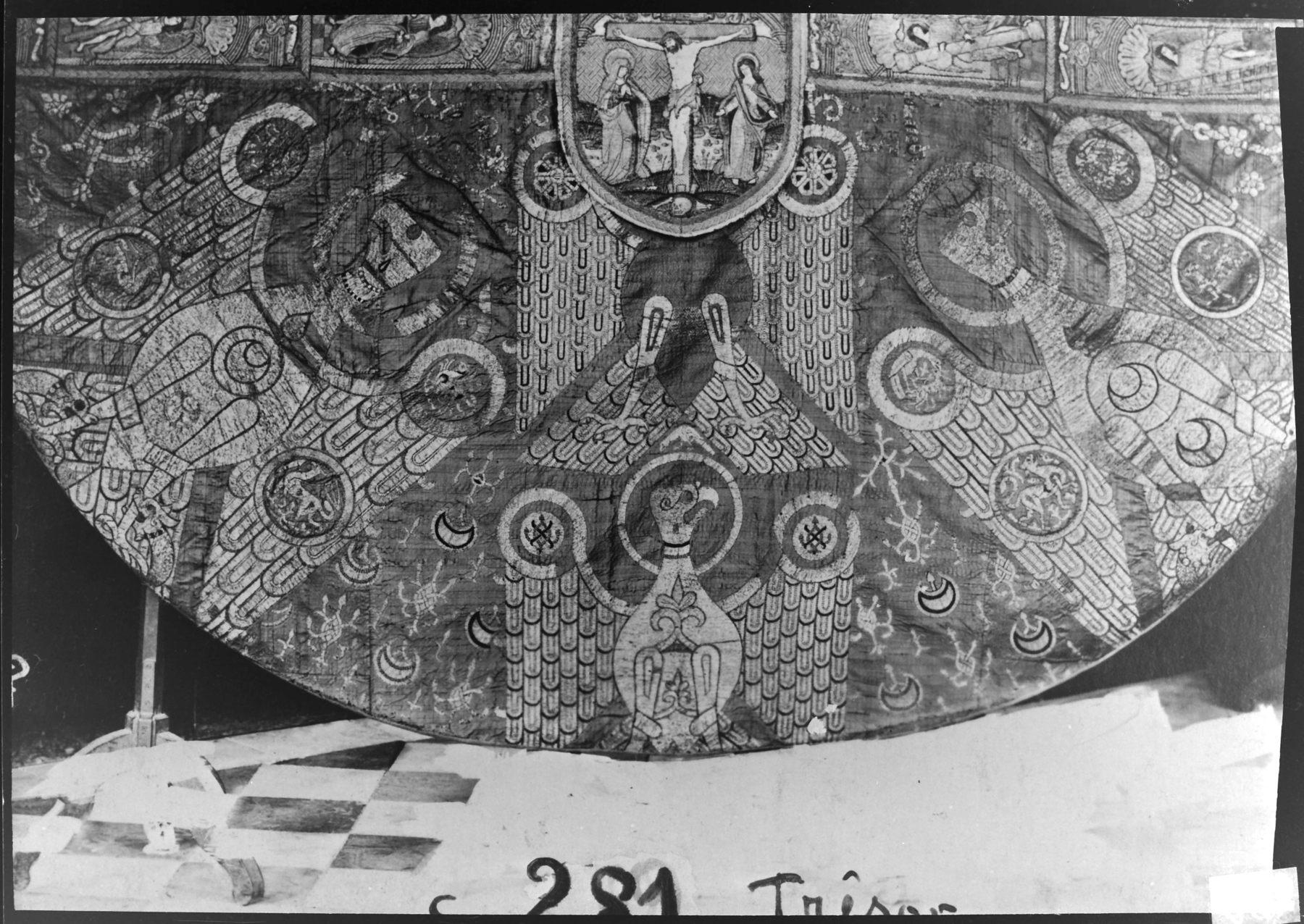 Contenu du La chape dite de Charlemagne, détail