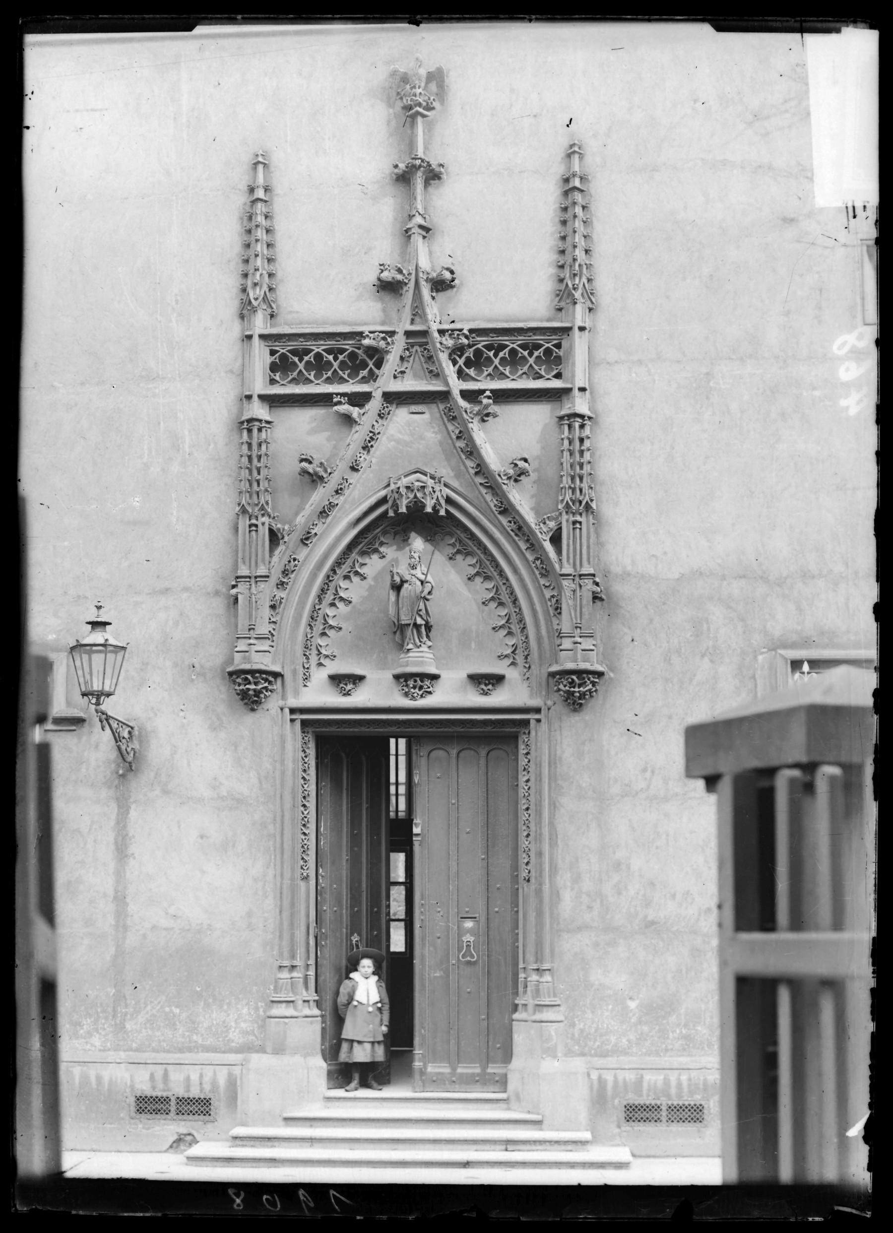 Contenu du Porte de l'hospice Saint-Nicolas