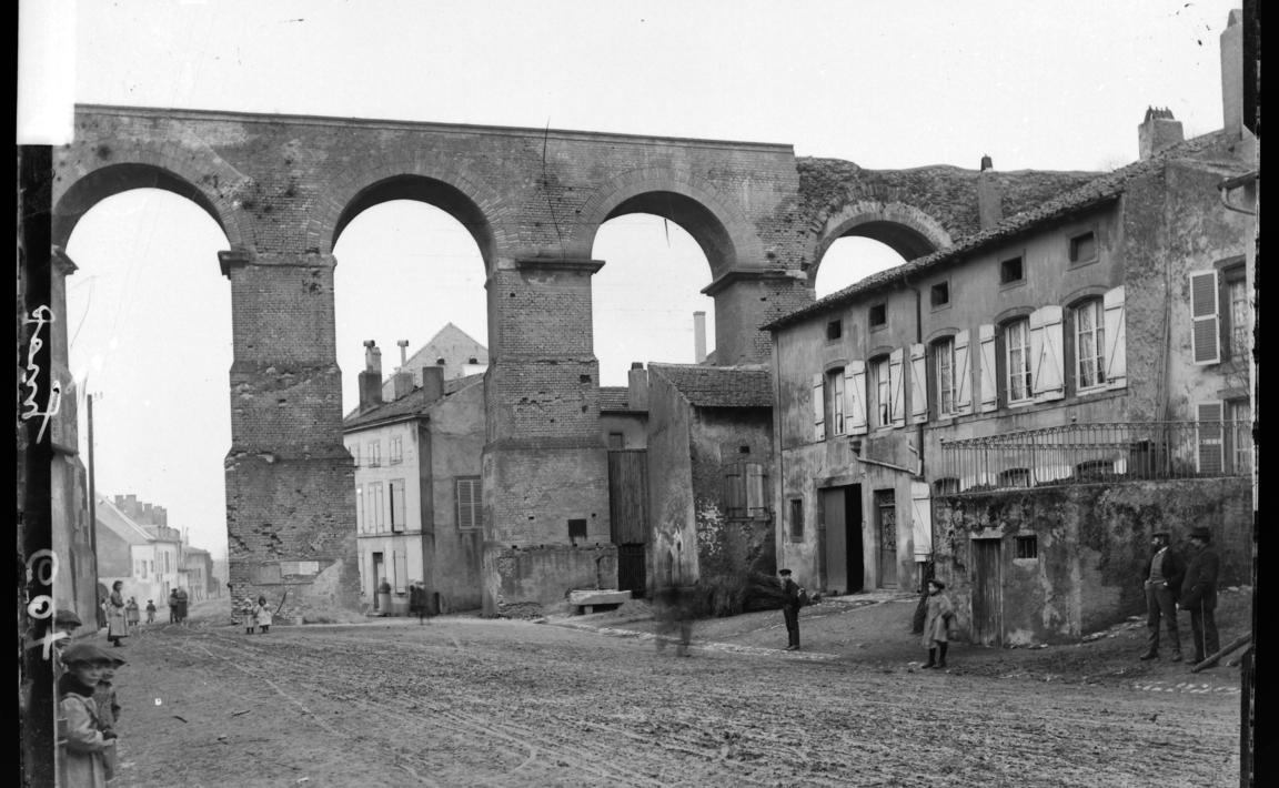 Contenu du Jouy-aux-Arches : l'aqueduc romain