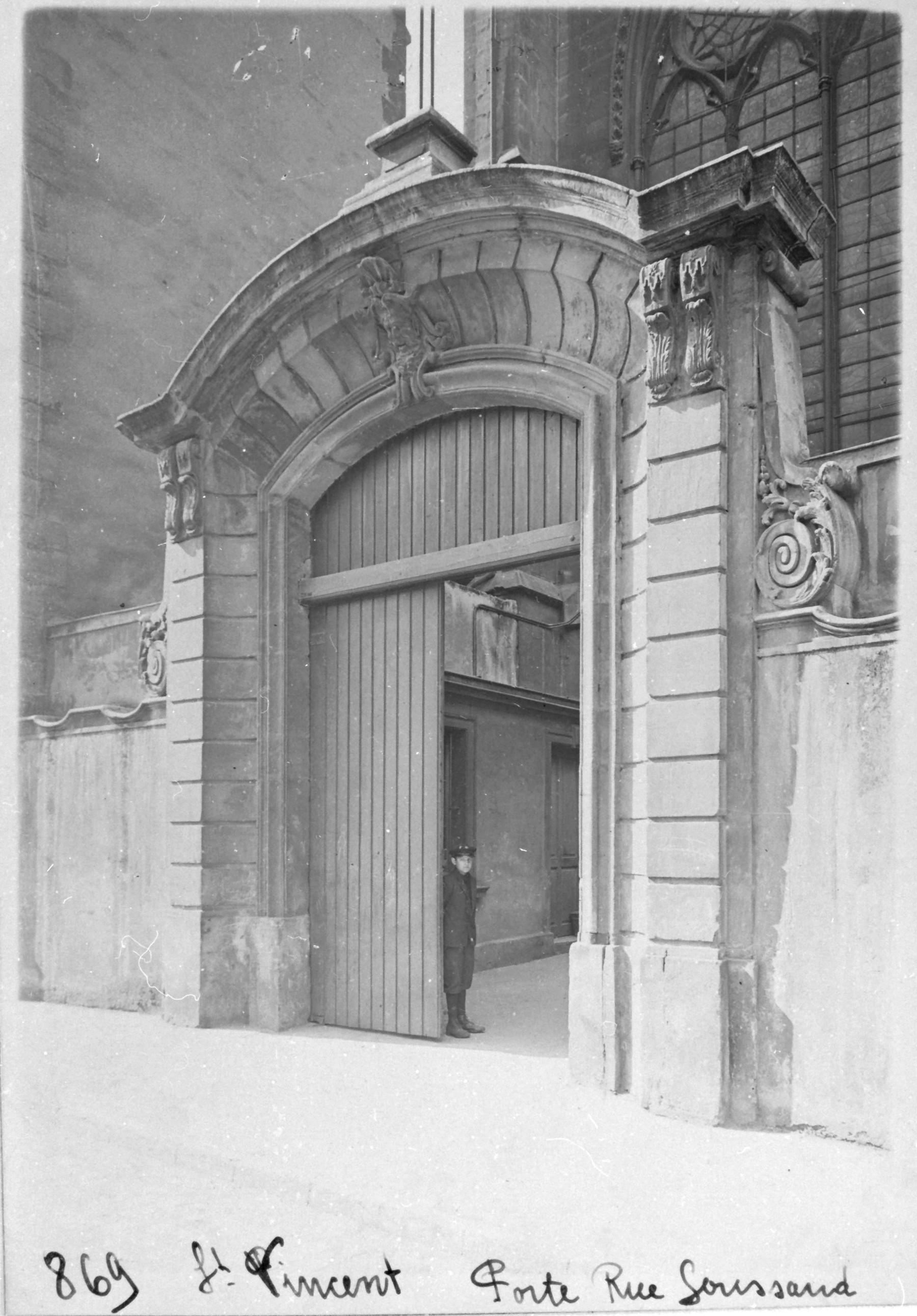 Contenu du Porte rue Goussaud