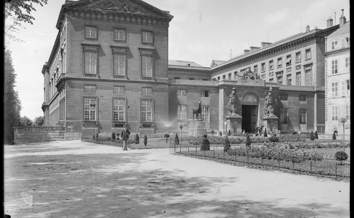 Contenu du Palais de Justice