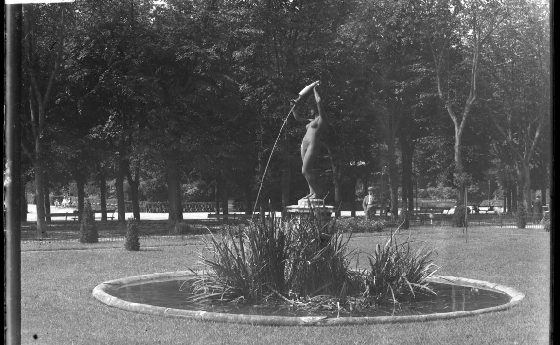 Contenu du Nymphe, ou La source, Promenade de l'Esplanade