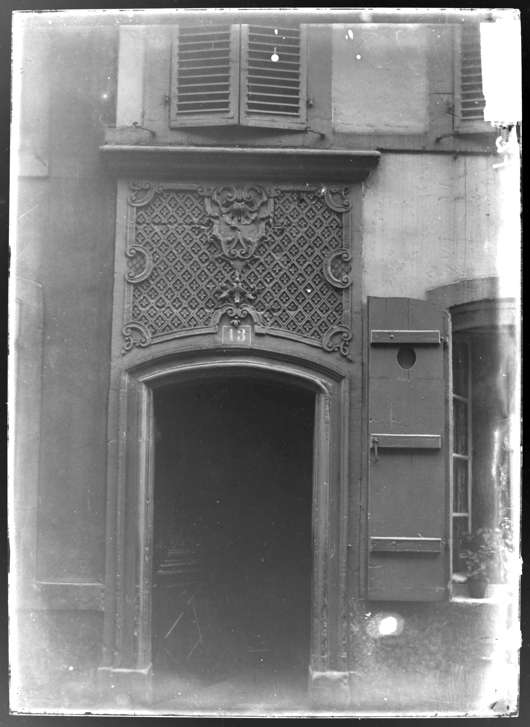 Contenu du Porte d'une rue de Metz