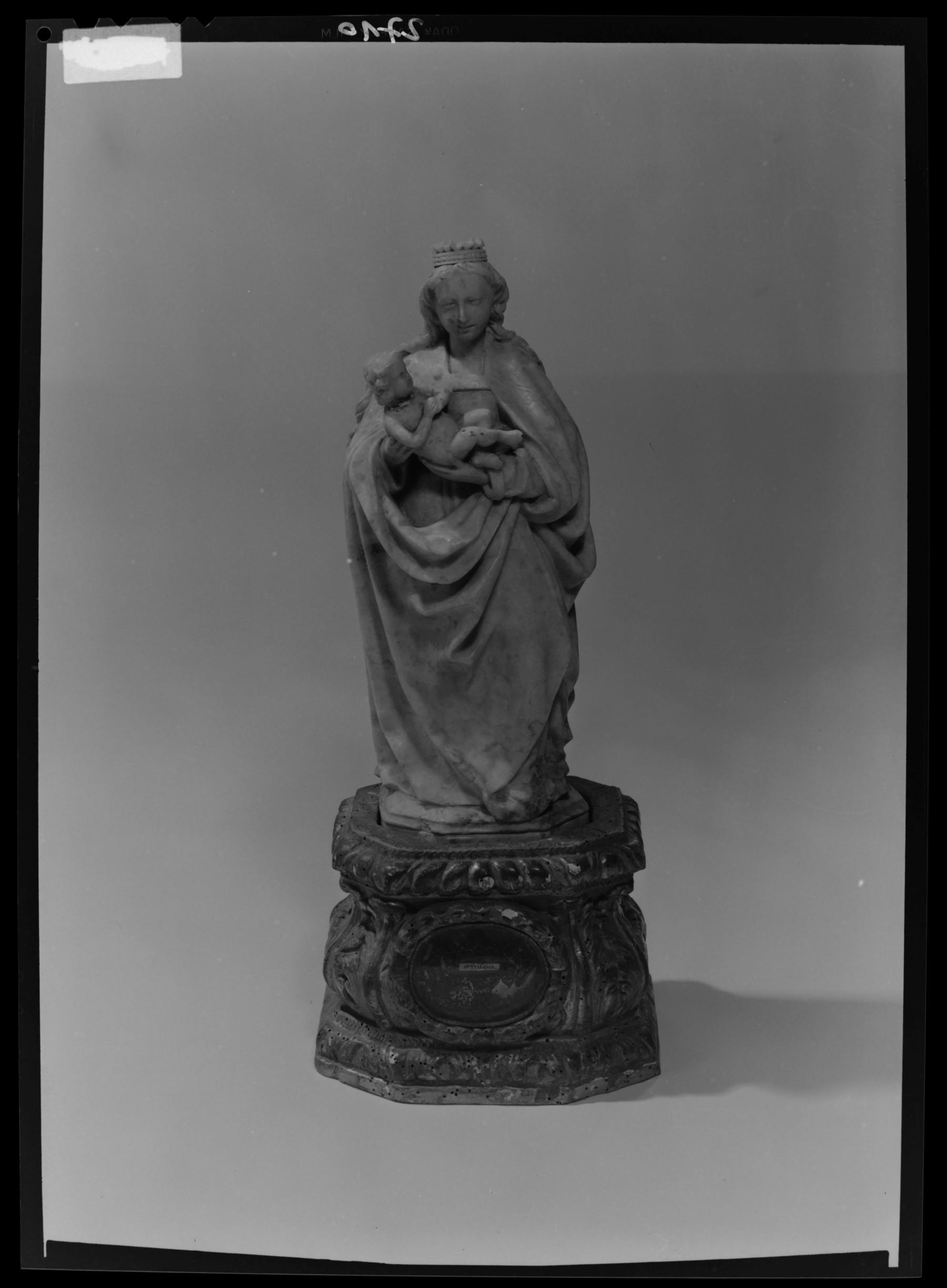 Contenu du Statuette d'une Vierge à l'enfant