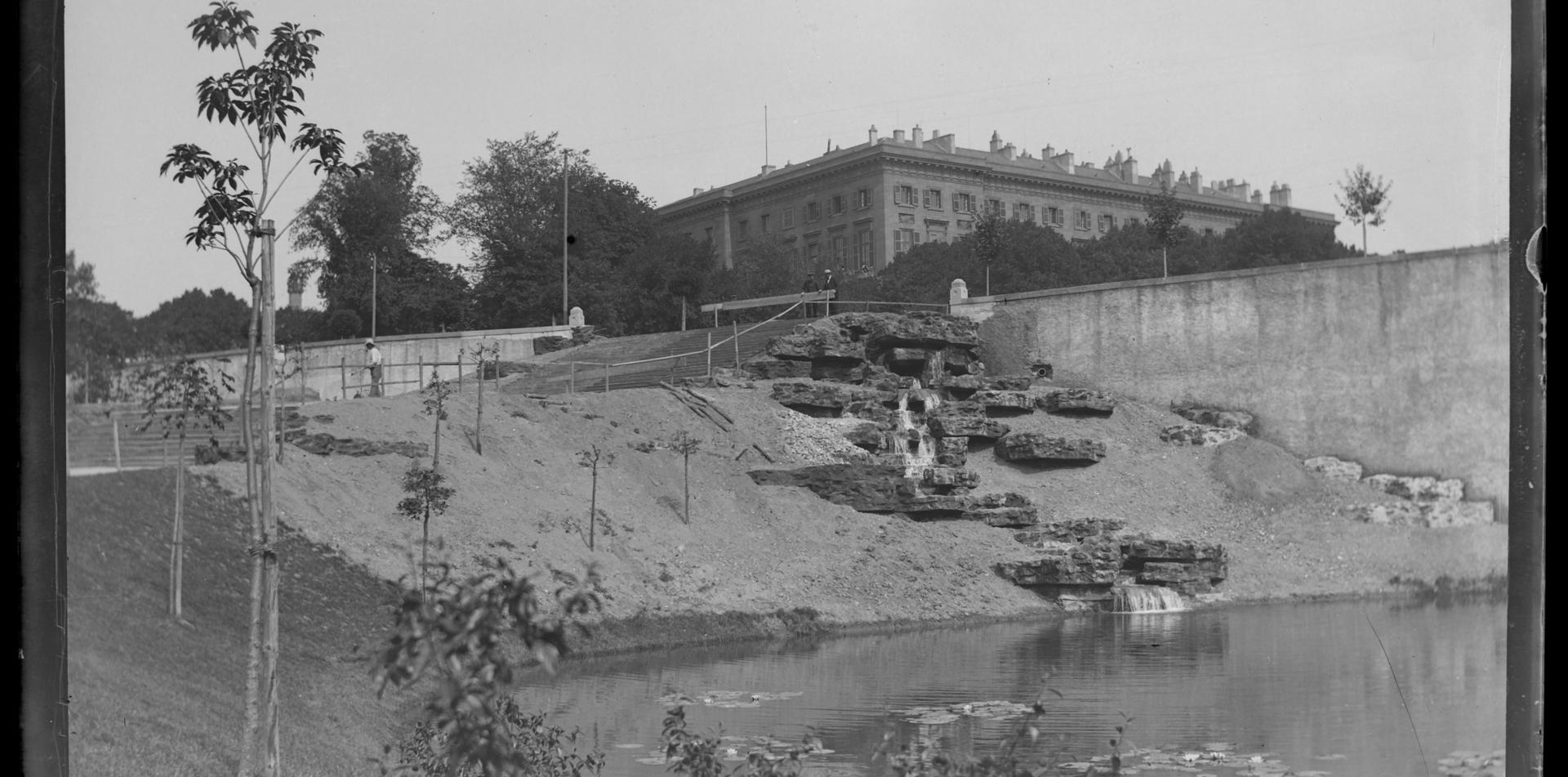 Contenu du L'Esplanade et le jardin Boufflers : élégance et exubérance