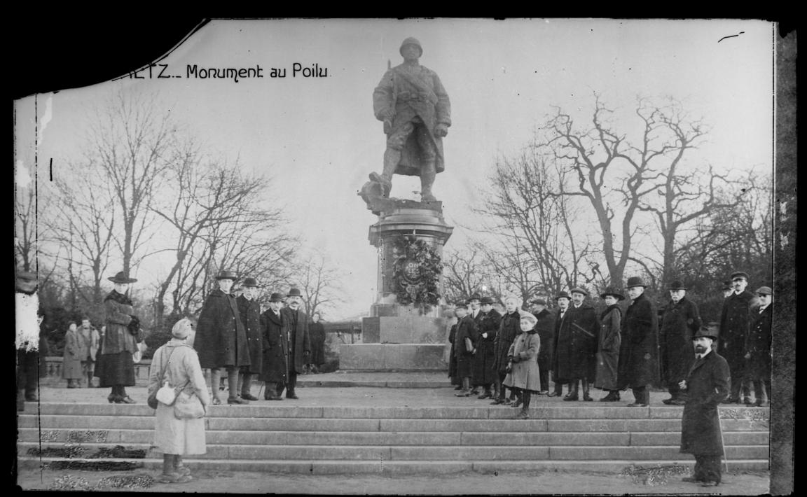 Contenu du Monument au Poilu libérateur