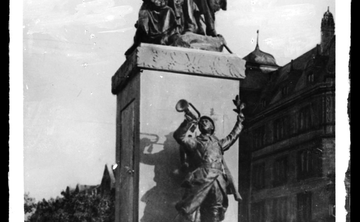 Contenu du Monument à Paul Déroulède